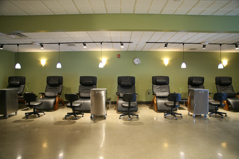 Royal oak michigan beauty school douglas j aveda institute for A j pinder salon grand rapids